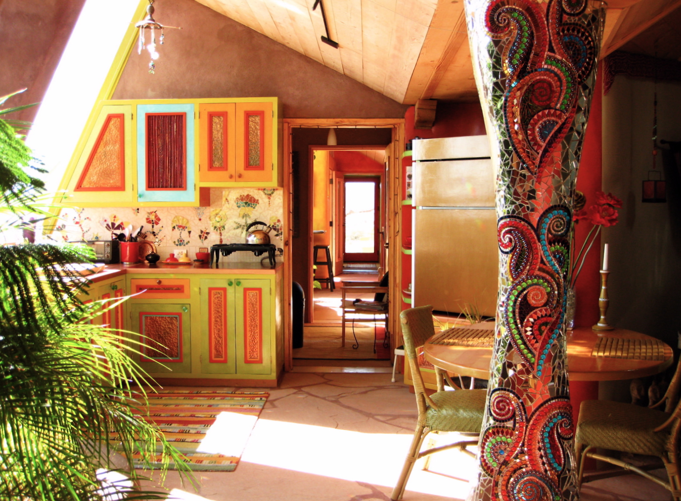 Interior_of_the_Solaria_Earthship